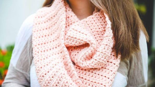 Learn To Crochet Kit Scarf By Lion Brand - Designer Ashleigh Kiser from Sewrella