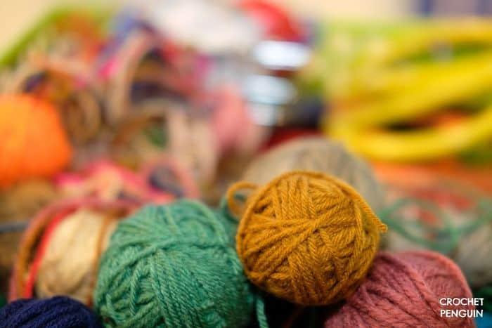 Susan Bates Crochet Hook Bamboo Handle Feat Img