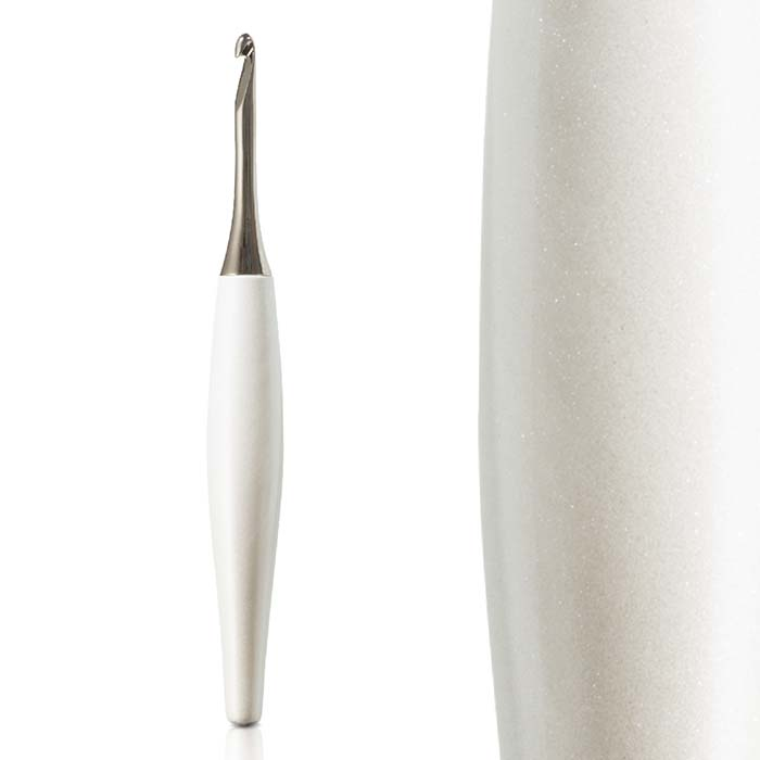 Furls White & Nickel Crochet Hook