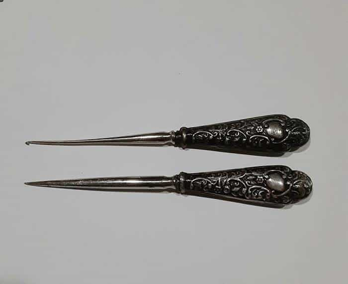 GweesVintageNotions Antique English Sterling Silver Stiletto and Crochet Set