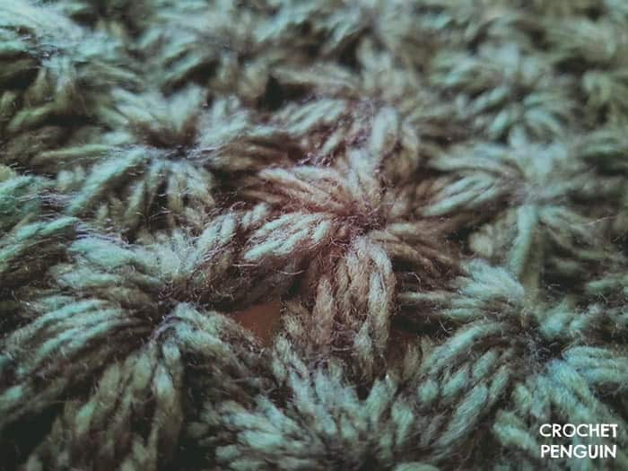 Close up of the jasmine crochet stitch used in the Star Burst beret